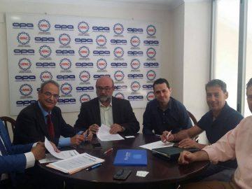Firma  Convenio con Banco Caixa Geral